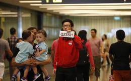 Cập nhật: Người thân khóc nấc khi máy bay của hãng AirAsia chở theo 162 người mất tích