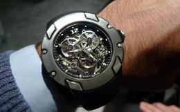 Đồng hồ cơ hoạt động như thế nào?