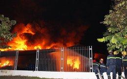 Vụ cháy ở Bình Dương: Lửa vẫn đang ngút trời