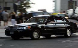 Uber vs Taxi: Cuộc chiến bao giờ mới kết?