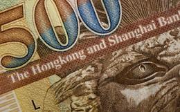 3 container chở tiền bị bung ra trên đường cao tốc ở Hong Kong