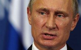 Fitch mạnh tay hạ điểm tín nhiệm của Nga
