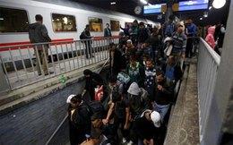 Đức bất ngờ đóng cửa biên giới với người di cư