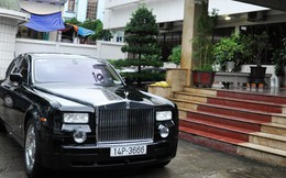 Siêu xe Rolls Royce Phantom ủng hộ đồng bào vùng lụt được bán với giá 9 tỷ đồng