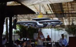 Đến Singapore xem máy bay drone phục vụ trong nhà hàng