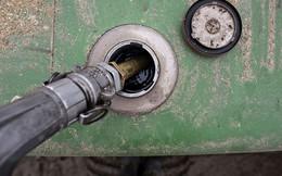 Giá dầu 'đào mỏ' báo cáo tài chính của các tập đoàn