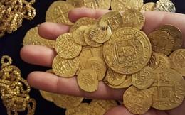Phát hiện hàng trăm đồng xu vàng dưới đáy biển khơi