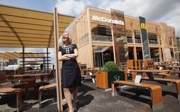 CEO McDonald's Anh: Dùng burger đổi xe đạp và phụ tùng xe hơi
