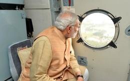 Cư dân mạng lật tẩy ảnh photoshop quá đà của Thủ tướng Ấn Độ