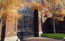Chuyện về cánh cổng hơn 100 năm tuổi tại Harvard, sinh viên chỉ được bước qua 2 lần