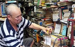 """Hiệu sách cũ phố Bà Triệu: Đã hết thời của """"Dư máy chém""""? (P.1)"""
