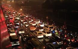 Hà Nội: Đường trên cao tắc hàng km ngày cuối năm