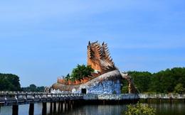 Cảnh hoang tàn của công viên nước ở Huế bất ngờ thu hút khách du lịch nước ngoài
