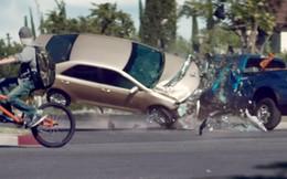 Bạn sẽ ngừng dùng điện thoại khi đang lái xe sau khi xem clip này