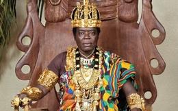 Vị vua hành nghề... sửa xe và trị vì đất nước qua Internet