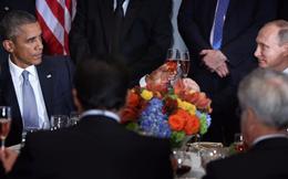Cú cụng ly lạnh nhạt giữa Obama và Putin gây sốt truyền thông thế giới