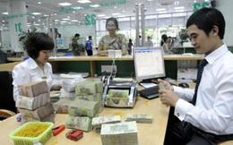 """Cả người gửi và vay tiền đều """"gánh"""" nợ xấu của ngân hàng?"""
