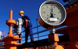 """""""Chia tay"""" Ukraine và châu Âu, Nga bán dầu mỏ cho ai?"""