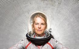Dava Newman: Từ cô bé đánh giày tới Phó Giám đốc NASA