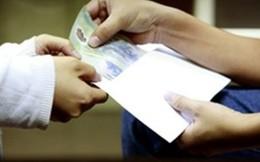 """50% số người xin việc vào Nhà nước phải đưa tiền """"lót tay"""""""
