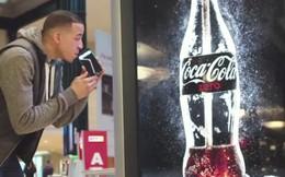 """Coca Cola sáng tạo """"quảng cáo uống được"""" đầu tiên trên thế giới"""