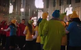 """Thay vì công kích, Microsoft bất ngờ """"lấy lòng"""" Apple trước kỳ lễ giáng sinh"""
