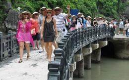 Lượng du khách tới Việt Nam sụt giảm 10 tháng liên tiếp