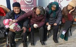 """Trung Quốc """"chưa kịp giàu thì đã già"""""""