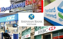 Nhà băng ngoại xông pha, ngân hàng nhà sắp bị nuốt chửng?