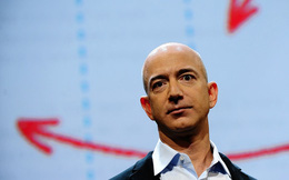 Cố gắng bán Smartphone, Amazon đang có một năm kinh doanh tệ hại