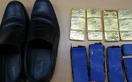 Phi công, tiếp viên Vietnam Airlines giấu 6kg vàng dưới đế giày