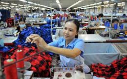 """Tăng lương tối thiểu 2016: Người lao động thờ ơ, chủ doanh nghiệp lo """"sốt vó""""!"""