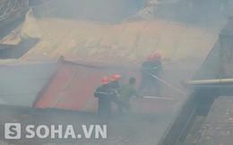Hà Nội: Hai người đàn ông ngăn cản PV tác nghiệp đám cháy
