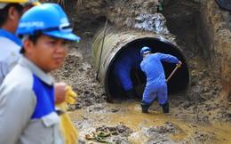 Vỡ 22 m ống nước, 70.000 hộ dân khốn đốn