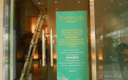 Vụ Parkson Keangnam: Chủ quầy hàng trở tay không kịp, BQL dán thông báo 'đóng cửa để kiểm kê'