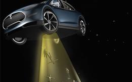 Xe hơi điện Tesla tấn công 'gót chân Achilles' của Apple