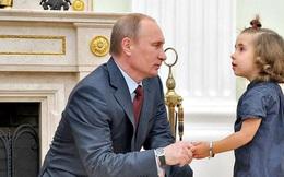 """Tổng thống Putin khuyên các bậc phụ huynh """"tốt nhất đừng tát con trẻ"""""""