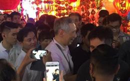 """Chuyện ông Lý Hiển Long """"selfie"""" với dân qua con mắt du học sinh Việt"""
