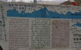 Dân Trung Quốc vẽ, khắc chằng chịt trên đỉnh Everest