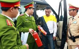 Bộ Công an quy định ôtô bắt buộc phải có bình cứu hỏa: Cục Đăng kiểm nói... không nhất thiết!