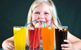 Muốn con kém thông minh, cứ tiếp tục cho con bạn uống thật nhiều nước ngọt