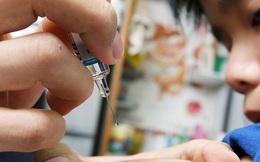 Hết sữa cho trẻ em, giờ đến lượt vắc xin Hồng Kông bị săn lùng