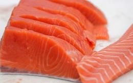 Ăn cá hồi sống, coi chừng nhiễm giun Anisakis