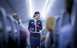 """Vì sao giá dầu giảm, các hãng hàng không vẫn """"chây ì"""" không giảm giá?"""