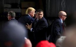 Ứng viên Tổng thống Mỹ Donald Trump bị tấn công, mật vụ nhảy ra bảo vệ