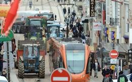 Nông dân Pháp phong tỏa thành phố Vannes đòi tăng giá nông sản