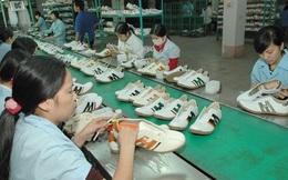 Để giành lại thị phần giày dép trên sân nhà