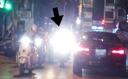Clip: Đa số dân Việt Nam cứ hồn nhiên rọi thẳng đèn pha vào mặt người khác
