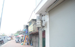 Độc nhất vô nhị ở Hà Nội: Căn nhà 'nuốt' gọn cây cột điện