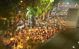 Cảnh tượng đông đúc choáng ngợp ở phố đi bộ Hà Nội trong đêm 2/9